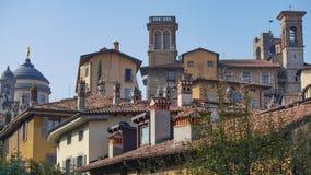 Panorama av gamla Bergamo, Italien Bergamo som kallas också den La Citt deien Mille, staden av tusenen, är en stad i Lombardy som Royaltyfri Fotografi