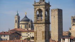 Panorama av gamla Bergamo, Italien Bergamo som kallas också den La Citt deien Mille, staden av tusenen, är en stad i Lombardy som Royaltyfria Bilder