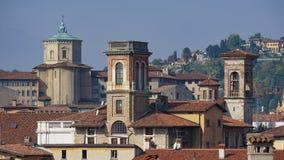 Panorama av gamla Bergamo, Italien Bergamo som kallas också den La Citt deien Mille, staden av tusenen, är en stad i Lombardy som Royaltyfri Foto