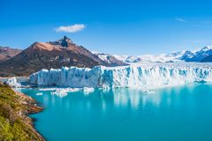 Panorama av glaciären Perito Moreno i Patagonia arkivbild