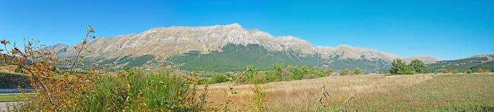 Panorama av Gran Sasso Royaltyfria Bilder