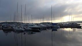 Panorama av hamnen av den finlandssvenska staden av Lappeenranta, dimmig morgon lager videofilmer