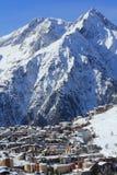 Panorama av Hilsen och hotellen, Les Deux Alpes, Frankrike, franska Arkivbild