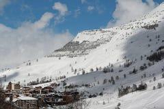 Panorama av hotellen, Les Deux Alpes, Frankrike, franska Royaltyfri Bild