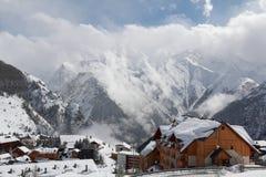 Panorama av hotellen och Hilsen, Les Deux Alpes, Frankrike, franska Royaltyfri Bild