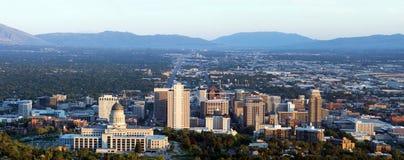 Panorama av huvudstaden av Utah i Salt Lake City i aftonsolen Arkivbilder