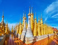 Panorama av Indein pagoder, Myanmar Royaltyfri Fotografi