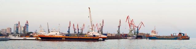 Panorama av industriell port Fotografering för Bildbyråer
