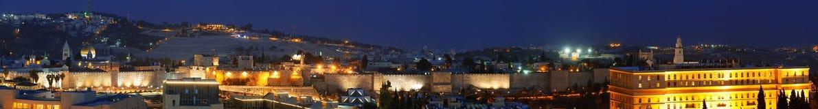 Panorama - gammal stadsvägg på natten, Jerusalem Arkivbilder