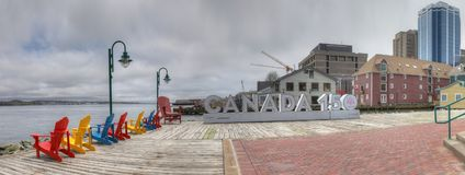 Panorama- av Kanada 150 underteckna in Halifax, Nova Scotia Arkivbilder