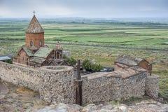 Panorama av kloster Khor Virap på en regnig Augusti dag Arkivfoton
