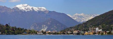 Panorama av laken Maggiore Arkivbilder