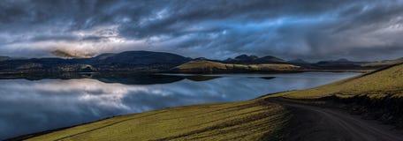 Panorama av Landmannalaugar på gryningen, Island Fotografering för Bildbyråer