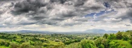 Panorama av landskapet nära Montefalco fotografering för bildbyråer