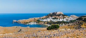 Panorama av Lindos och akropolen Rhodes ö Grekland Arkivbild