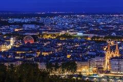 Panorama av Lyon på aftonen Arkivfoto