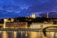 Panorama av Lyon på natten Royaltyfria Bilder