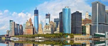 Panorama av Manhattan finansiella byggnader Arkivbilder