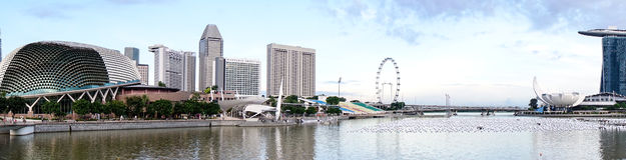 Panorama av Marina Bay i Singapore Royaltyfria Bilder