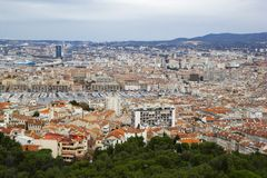 Panorama av Marseille från Basilique Notre Dame de la Garde, france marseille royaltyfri fotografi
