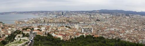 Panorama av Marseille från Basilique Notre Dame de la Garde, france marseille fotografering för bildbyråer
