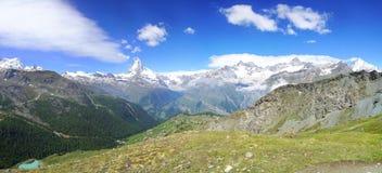 Panorama av Matterhorn, Schweiz Arkivfoton