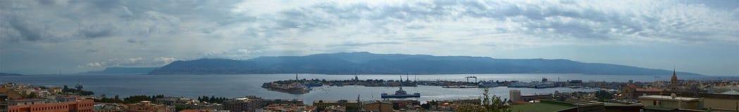 Panorama av Messina, Sicilien, Italien arkivfoto