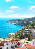 Panorama av Naples och det medelhavs- havet arkivfoto