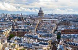 Panorama av Paris som förbiser pantheonen Royaltyfri Bild