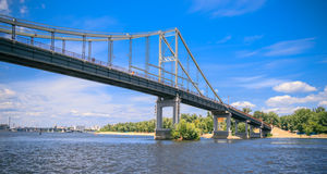 Panorama av parkerabron i Kiev Arkivbilder