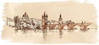 Panorama av Prague. Sikt av den Charles bron Royaltyfri Foto
