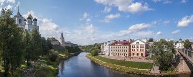 Panorama av Pskov Arkivbild