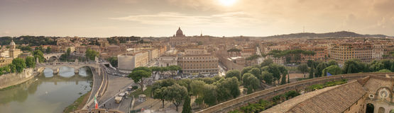 Panorama- av Rome på solnedgången Arkivbilder