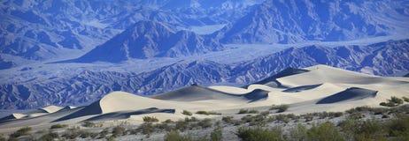 Panorama av sanddyn, Death Valley royaltyfri fotografi