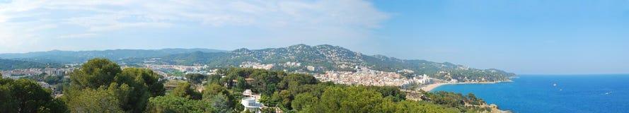 Panorama av semesterorten av Lloret de Mar i Spanien Arkivfoton