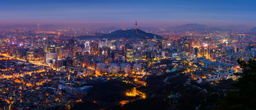 Panorama av Seoul stadshorisont, Sydkorea Arkivbild