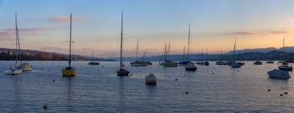 Panorama av sjön Zurich i Schweiz Royaltyfri Foto