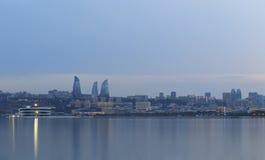 Panorama av sjösidaboulevarden i Baku Azerbaijan Arkivbilder