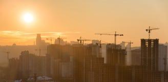 Panorama av solnedgången i staden Arkivfoto