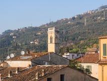 Panorama av staden av Pietrasanta Royaltyfri Foto