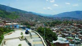 Panorama av staden från comuna 13, Latinamerika stock video