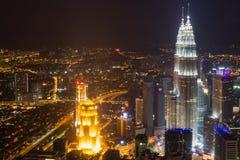 Panorama av staden på natten Royaltyfri Foto
