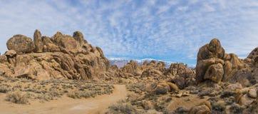 Panorama av stenblockkullar Arkivfoto
