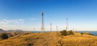 Panorama av udde Megan med vindturbiner, den Krim, Black Sea kusten fotografering för bildbyråer