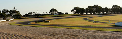 Panorama av vänd 11 och 12 på det Philip Island loppspåret Royaltyfri Foto
