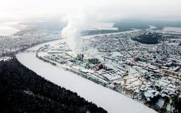 Panorama av vinterstaden Sikt för öga för fågel` s royaltyfri fotografi