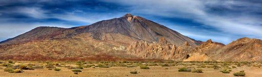 Panorama av vulkan Teide med Llano de Ucanca - Tenerife Royaltyfria Foton
