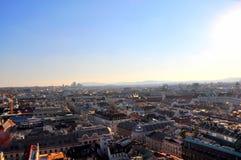 Panorama av Wien från Sts Stephen domkyrka arkivfoton