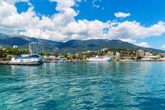 Panorama av Yalta, Krim, Ukraina arkivbilder