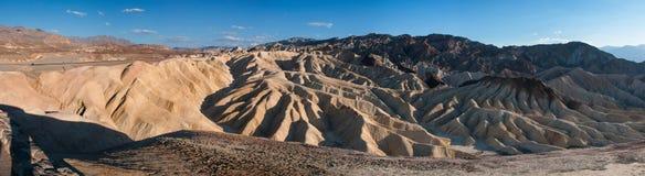 Panorama av Zabriskie punkt i Death Valley Arkivbilder